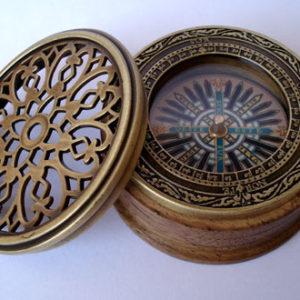 Compas nautique - la bousssole ancienne