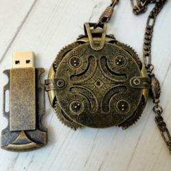 Clé USB steampunk - Crypetex -perles du temps