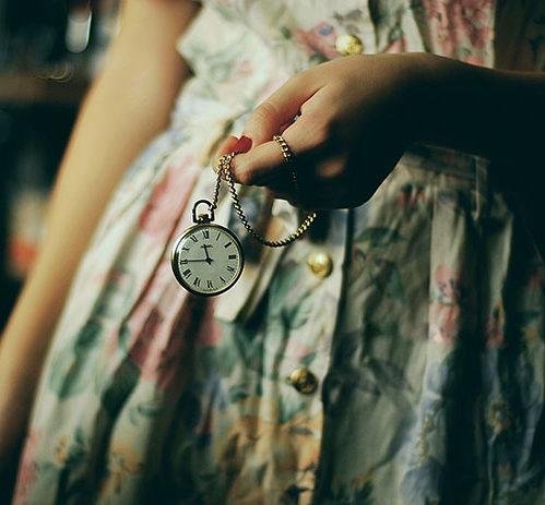 Un nouveau style vintage – les montres pendentifs femme