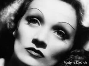 Illustration maquillage sourcils écartés années 20 photographie